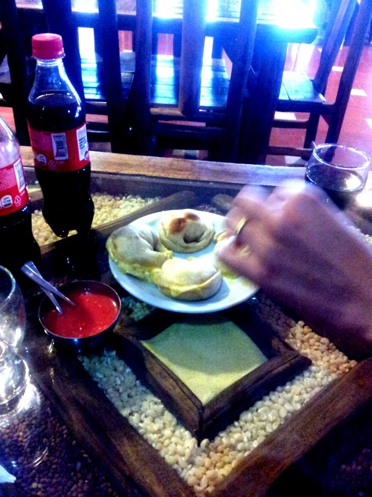 Media Luna, Coca Cola e pimenta.