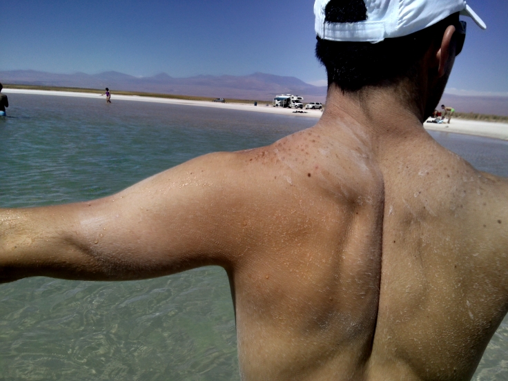 O sal que fica no corpo após o banho na lagoa!